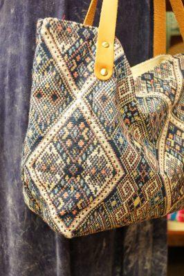 エスニックな織り生地トートバッグ