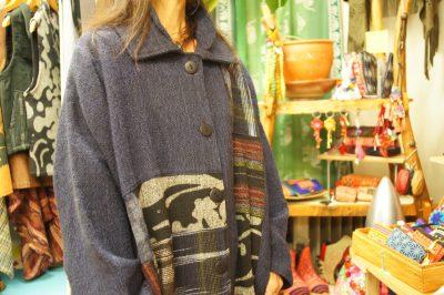 手織りジョムトンコート