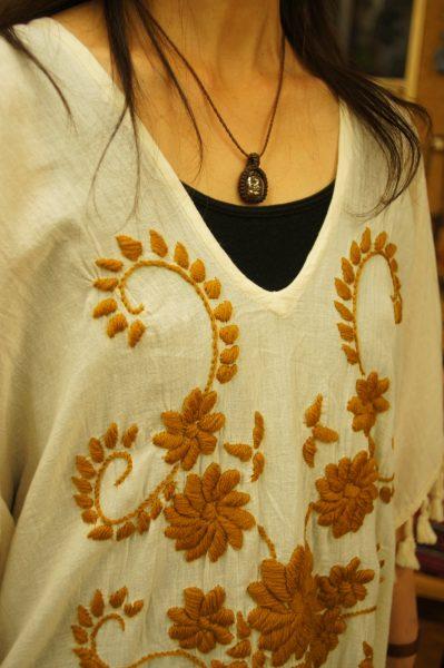 ボヘミアン刺繍ワンピース